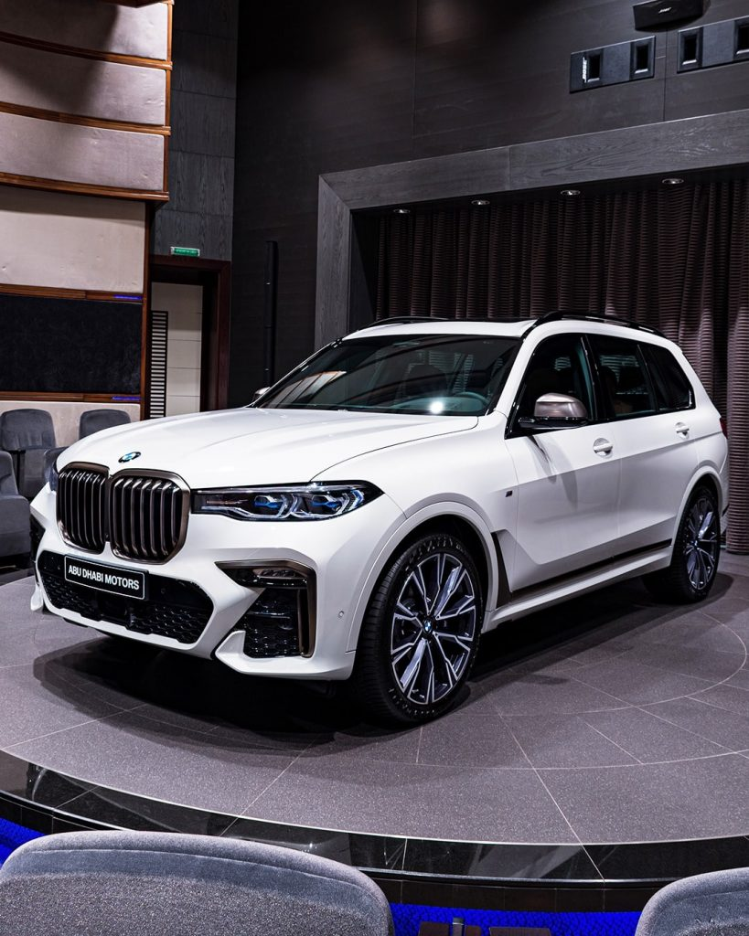 2020 Alpine White BMW X7 M50i