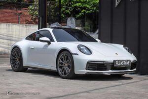 Porsche 992 Carrera by Flinstone Autoparts